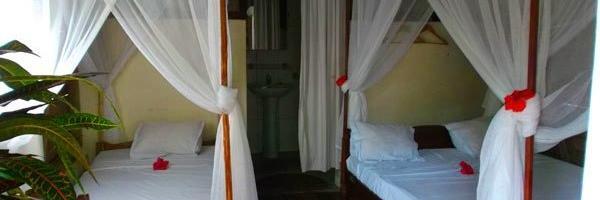 Atafondro lodge sainte marie bungalow interieur