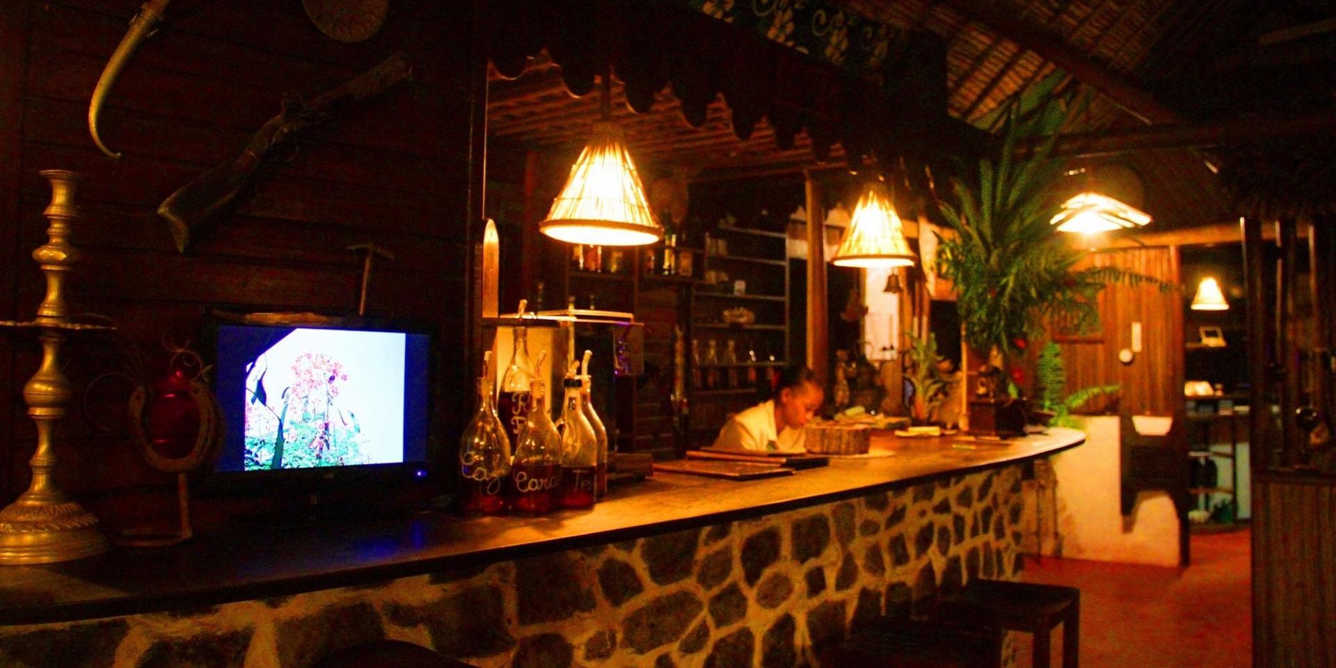 Lakana hotel bar