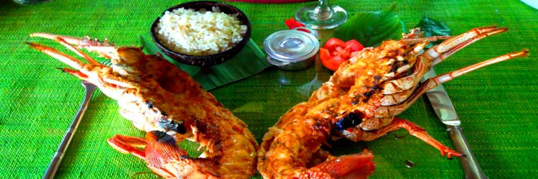 Le Restaurant  le Ravoraha est l'un des plus renommé de NosyBoraha. Référencé par Trip Advisor et dans les principaux guides touristiques.