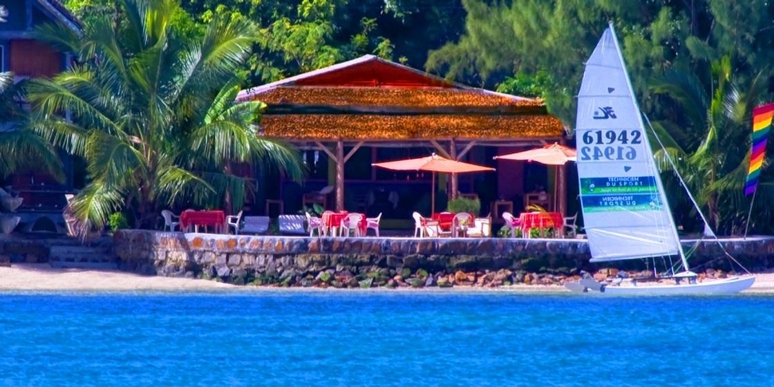 L'IDYLLE BEACH - RESTAURANT -BAR-LOUGE - CHAMBRES D'HÔTES - Venez découvrir l'esprit d'idylle Beach.