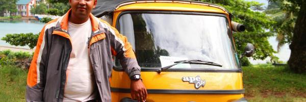 Taxi tuk tuk asli