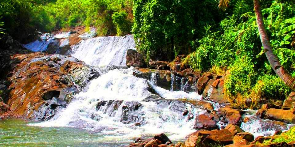 La cascade d'Antanandava Sainte-Marie